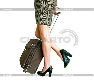 Frauenbeine mit Koffer | Foto mit hoher Auflösung |ID 3014724
