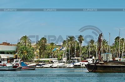 Yacht Club na wybrzeżu | Foto stockowe wysokiej rozdzielczości |ID 3012863