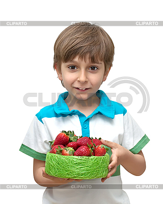 Chłopiec z miską truskawek | Foto stockowe wysokiej rozdzielczości |ID 3013835