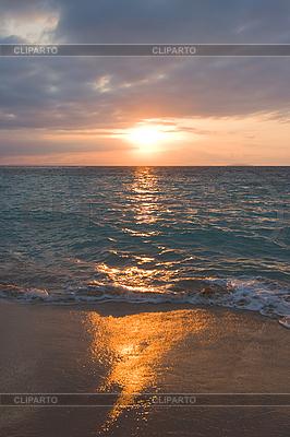 Ruhiger Ozean während Sonnenaufgang | Foto mit hoher Auflösung |ID 3015383