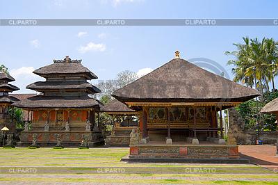 Wewnątrz świątyni hinduskiej | Foto stockowe wysokiej rozdzielczości |ID 3015390