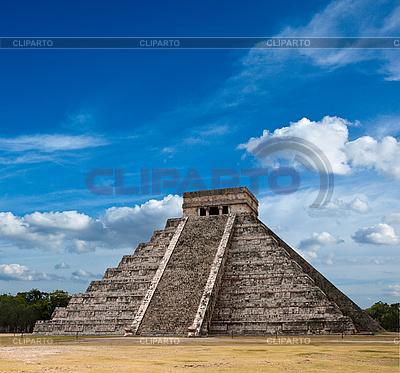 Maya-Pyramide in Chichen-Itza, Mexiko | Foto mit hoher Auflösung |ID 3015728
