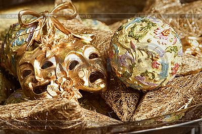 Новогодние украшения и карнавальные маски | Фото большого размера |ID 3016957