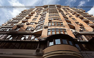 Wygląd nowej wysokiej nowoczesny budynek | Foto stockowe wysokiej rozdzielczości |ID 3017116