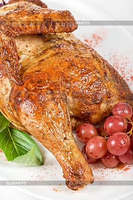 Połowa palone zbliżenie z kurczaka | Foto stockowe wysokiej rozdzielczości |ID 3019586