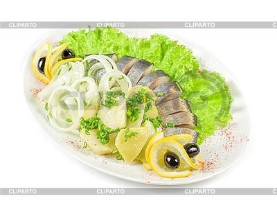 Śledź z ziemniakami i warzywami | Foto stockowe wysokiej rozdzielczości |ID 3020091
