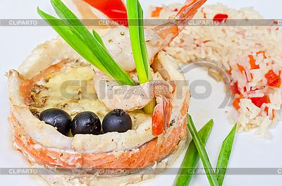 Ryba z ryżem i warzywami | Foto stockowe wysokiej rozdzielczości |ID 3027054