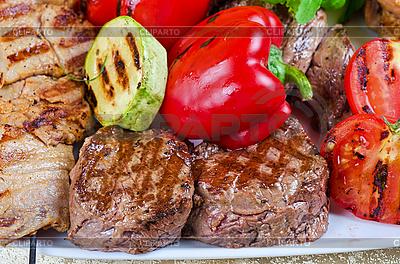 Mięso grill | Foto stockowe wysokiej rozdzielczości |ID 3027110