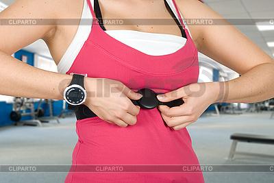 Frau mit Uhr für Puls-Überprüfung | Foto mit hoher Auflösung |ID 3028584
