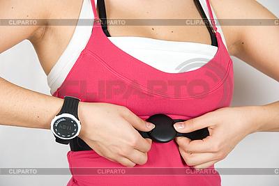 Sprawdzanie tętna zegarek | Foto stockowe wysokiej rozdzielczości |ID 3028586