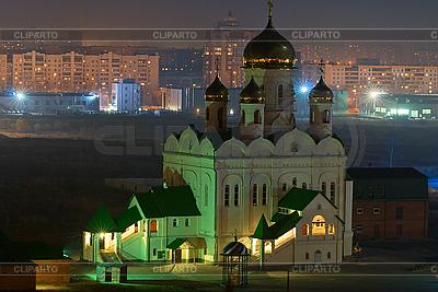 Orthodoxe Kirche in der Nacht | Foto mit hoher Auflösung |ID 3028646