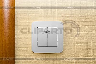 Электрический настенный выключатель света | Фото большого размера |ID 3029490