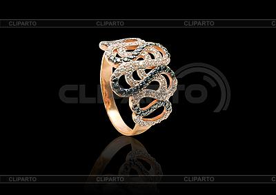 Złoty pierścionek | Foto stockowe wysokiej rozdzielczości |ID 3031092