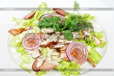 Sałatka z kiełbasą danie | Foto stockowe wysokiej rozdzielczości |ID 3031111