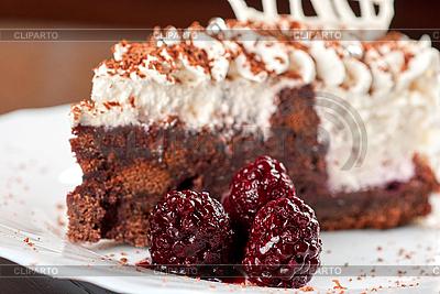 Blackberry cake slice | Foto stockowe wysokiej rozdzielczości |ID 3036622