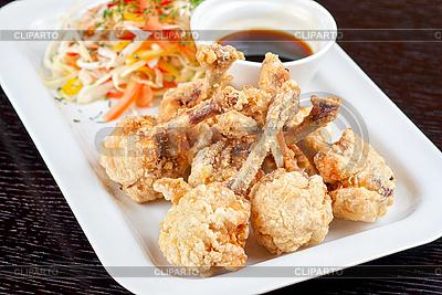 Smażone skrzydełka z kurczaka | Foto stockowe wysokiej rozdzielczości |ID 3037377