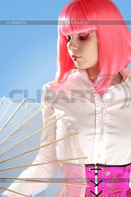 Junge Frau mit orientalischen Make-up und Sonnenschirm | Foto mit hoher Auflösung |ID 3022202
