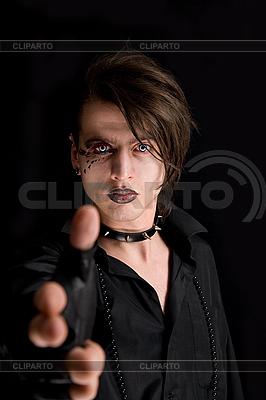 Gotischer Junge streckt seine Hand | Foto mit hoher Auflösung |ID 3022264