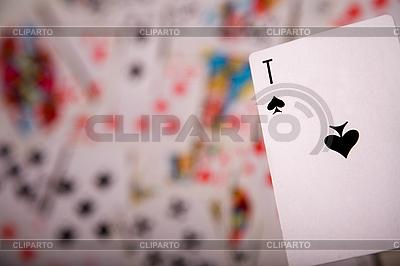 흐린 카드에 스페이드 에이스 | 높은 해상도 사진 |ID 3022605