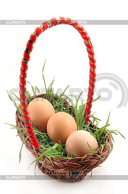 Korb mit Gras und Eiern | Foto mit hoher Auflösung |ID 3023271
