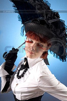 Dziewczyna w stylu wiktoriańskim ubrania z parasolem | Foto stockowe wysokiej rozdzielczości |ID 3023324