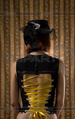 Frau im Korsett und mit Vintage-Hut | Foto mit hoher Auflösung |ID 3023329