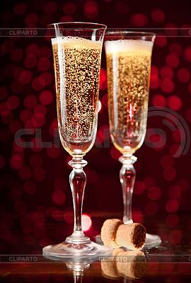 Dwa kieliszki szampana kryształ | Foto stockowe wysokiej rozdzielczości |ID 3023458