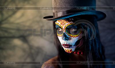 Девушка-череп в шляпе-цилиндре | Фото большого размера |ID 3090750