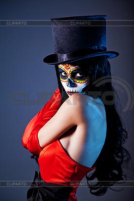 Tophat와 빨간 드레스에 설탕 두개골 소녀 | 높은 해상도 사진 |ID 3090751