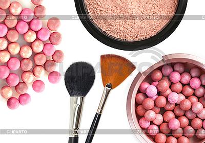 Kosmetyki rouge, proszek i szczotki | Foto stockowe wysokiej rozdzielczości |ID 3111399