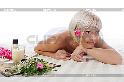 Młoda kobieta blonde w spa procedury | Foto stockowe wysokiej rozdzielczości |ID 3022153