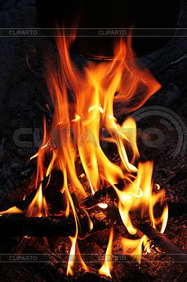 Ogień na noc | Foto stockowe wysokiej rozdzielczości |ID 3023602
