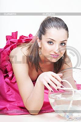 Dziewczyna i akwarium | Foto stockowe wysokiej rozdzielczości |ID 3023150