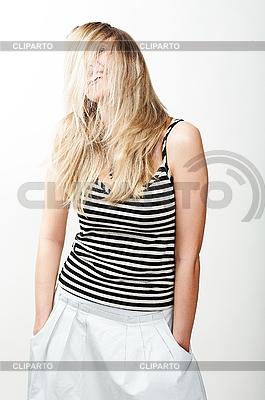 Lächelnde junge Frau | Foto mit hoher Auflösung |ID 3024227