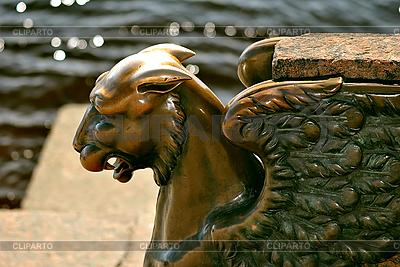 Грифон на набережной Лейтенанта Шмидта | Фото большого размера |ID 3026150