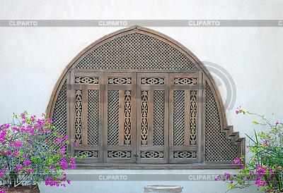 Fenster mit geschlossenen Fensterläden | Foto mit hoher Auflösung |ID 3026408