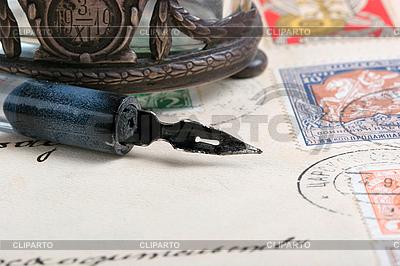 Schreibfeder auf altem Brief | Foto mit hoher Auflösung |ID 3059816
