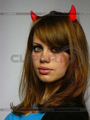 Schöne Frau mit kleinen Hörnern | Foto mit hoher Auflösung |ID 3048970