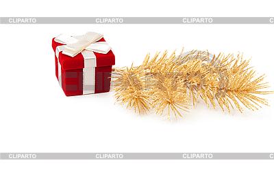 Rote Geschenk-Box mit Tannenzweigen | Foto mit hoher Auflösung |ID 3067128