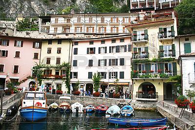 Italien. Gardasee. Limone sul Garda Stadt | Foto mit hoher Auflösung |ID 3112301