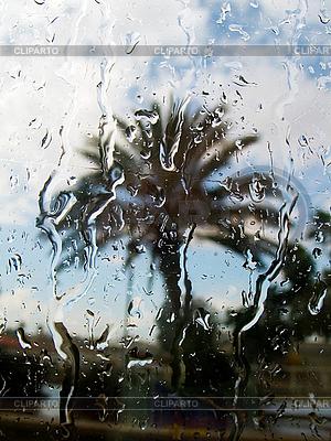 Deszcz za oknem | Foto stockowe wysokiej rozdzielczości |ID 3067915