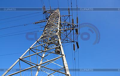 High Post napięcia na tle błękitnego nieba | Foto stockowe wysokiej rozdzielczości |ID 3067393