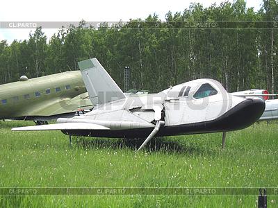 Stare samoloty wojskowe | Foto stockowe wysokiej rozdzielczości |ID 3102495