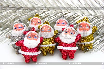 Niektóre lalki Świętego Mikołaja są razem | Foto stockowe wysokiej rozdzielczości |ID 3174928