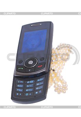 Мобильный телефон и бусы | Фото большого размера |ID 3080438
