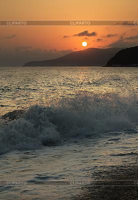 Zachód słońca na morzu | Foto stockowe wysokiej rozdzielczości |ID 3104953