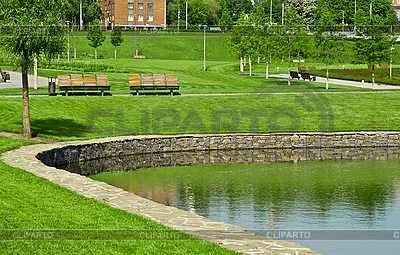 Holzbank in einem Park | Foto mit hoher Auflösung |ID 3089915
