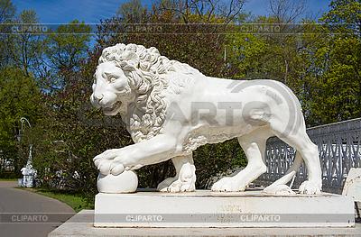 狮子雕塑 | 高分辨率照片 |ID 3091140