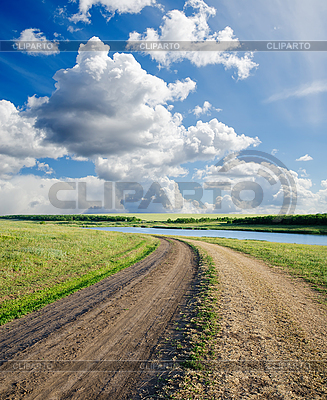 Landstraße in Feldern | Foto mit hoher Auflösung |ID 3090995