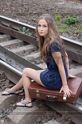 Девушка на рельсах - 7b75b